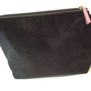 Accessories - ❤️3/$15 Boat Clutch Cosmetic Bag